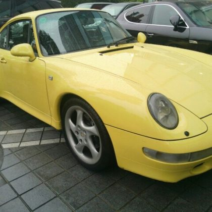 Porsche 911 (993) Carrera S in pastel yellow!